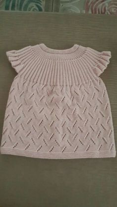This Pin was discovered by Mub Knitting Projects, Knitting Patterns, Baby Booties, Baby Knitting, Baby Dress, Smocking, Knit Crochet, Diy And Crafts, Wool