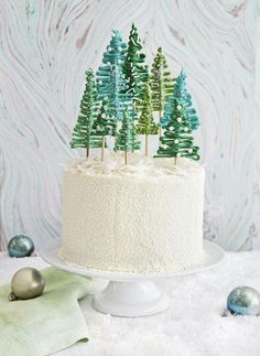 Best Christmas Cake Recipes to Impress Your Holiday Guests Beautiful and delicious holiday desserts and cakes.Beautiful and delicious holiday desserts and cakes. Best Christmas Cake Recipe, Christmas Tree Cake, Christmas Sweets, Christmas Cooking, Noel Christmas, Christmas Goodies, Christmas Birthday Cake, Christmas Recipes, Chocolate Christmas Cake