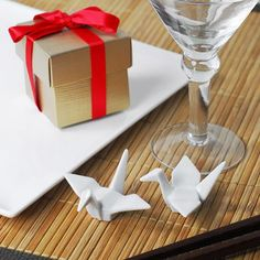 Japanese Crane Favors by Beau-coup!!!!!!!!!!!!! Japanese Party, Japanese Wedding, Wedding Wishes, Our Wedding, Spring Wedding, Wedding Table, Wedding Stuff, Wedding Flowers, Wedding Favours