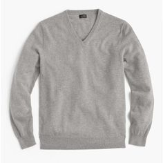 J.Crew Everyday cashmere V-neck sweater (345 ILS) ❤ liked on Polyvore featuring men's fashion, men's clothing, men's sweaters, mens cashmere v neck sweater, mens vneck sweater, j crew mens sweaters, mens cashmere sweaters and mens v neck sweater
