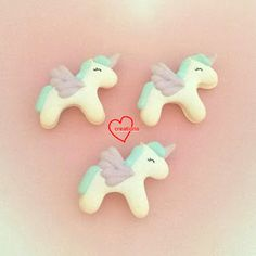 Loving Creations for You: Video Tutorial for Piping Unicorn Macaron Shells