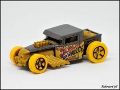 Hot Wheels Storage, Bone Shaker, Hot Wheels Cars, Boy Room, Kids Crafts, Hot Rods, Diecast, Monster Trucks, Dolls