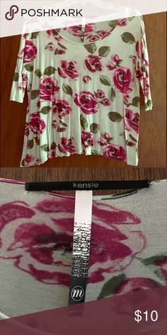 """Kensie Cropped Flower Top This cropped top is in very good condition. Very soft. Flower pattern. I say cropped because it hits right around my belly button and I am 5'5"""". Cute to layer with a tank top underneath. Kensie Tops Blouses"""