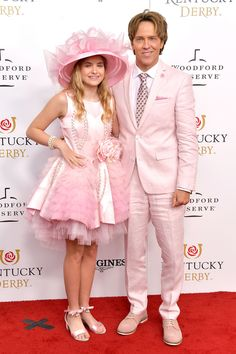 Dannielynn Birkhead & Larry Birkhead from Stars Attend 2019 Kentucky Derby Dannielynn Birkhead pays homage to her late mother, Anna Nicole Smith, by wearing one of her hats to the Kentucky Derby. Anna Nicole Smith, Kentucky Derby, Louisville Kentucky, Dannielynn Birkhead, Mom Hats, Celebrity Moms, Celebrity Style, Michelle Williams, Sarah Michelle Gellar