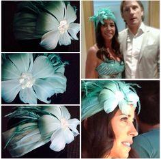 Tocado turbante con flor de plumas by BeaNavarro