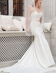 ❀ slim bandeau trumpet wedding dresses with court train | Riccol ❤