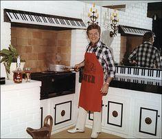 Liberace's Kitchen - love the 88 Keys everywhere!