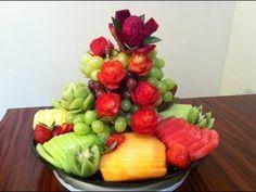 Suscribete a mi canal, solo haz click aquí  http://full.sc/L3ptCp    Aquí seguimos complaciendolos con ideas para hacer arreglos de fruta, ya sea para alguna fiesta o para obsequiar, esperemos que sea de su agrado.    Para ver mas a detalle como hacer las rosas con fresas, aqui abajo les dejo el link del video.  http://www.youtube.com/watch?v=UEY-NmK...