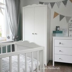 babyzimmer babyboy augustbaby kinderzimmer babyzimmer babysroom ikea bebis rum. Black Bedroom Furniture Sets. Home Design Ideas