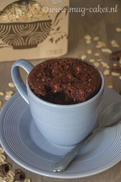 Chocolade havermout mug cake Chocolade Havermout Mug Cake Recept Easy Mug Cake, Cake Mug, Lemon Mug Cake, Vanilla Mug Cakes, Lemon Recipes, Easy Cake Recipes, Vegan Mug Cakes, Cold Cake, Mug Cake Microwave