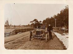 auto 1929 vanha valokuva – Google-haku Haku, Snow, Google, Outdoor, Outdoors, Outdoor Games, The Great Outdoors, Eyes, Let It Snow