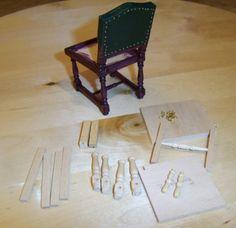 De Titanic in miniatuur.: Diner stoelen maken.