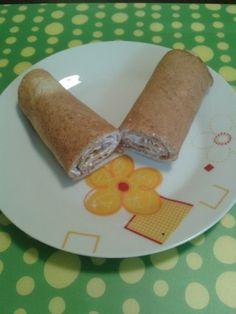 Palacsinta útifű maghéjjal Pancakes, Paleo, Ethnic Recipes, Food, Meal, Crepes, Essen, Pancake, Hoods