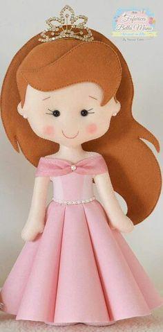 Dolls inspirations in felt! - Felt Maniacs Dolls inspirations in felt! Felt Patterns, Stuffed Toys Patterns, Felt Christmas Ornaments, Doll Hair, Felt Diy, Soft Dolls, Doll Crafts, Fabric Dolls, Sewing For Kids