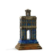 TRIUMPHAL ARCH IN LAPIS LAZULI WITH SILVERED METAL MOUNTS, PROBABLY HUNGARIAN, CIRCA 1900.