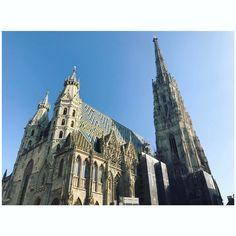 Karlsplatz, Wien Source: Instagram @dianagreenwood Barcelona Cathedral, Building, Travel, Instagram, Search Engine Optimization, Voyage, Buildings, Viajes, Traveling