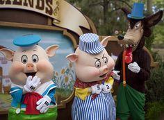 Long Lost Friends Week Begins At Disneyland April 2013 Fiddler Pig, Practical Pig and Big Bad Wolf (Fifer Pig was late)