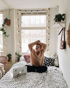 This small studio flat is so cosy and simple. #smallstudioflat #flat #bedroom