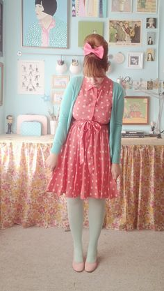I don't think I would ever wear this, purely because I don't think I could I pull it off but it is sooo cute.