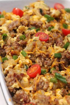 Looking for a simple brunch recipe? This egg, sausage, and potato scramble is the best dish for an easy and delicious breakfast or brunch. Breakfast Appetizers, Sausage Breakfast, Healthy Breakfast Recipes, Breakfast Casserole, Healthy Recipes, Dinner Healthy, Vegetarian Recipes, Healthy Food, Brunch Dishes