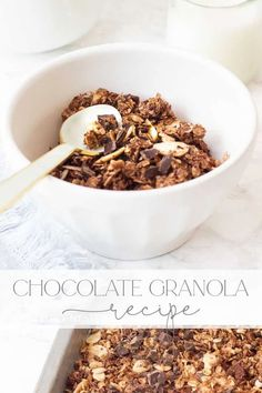 You'll love this Easy Homemade Granola Recipe with Chocolate. Mix ingredients, bake and add chunks of dark chocolate to the mix. It's delicious and healthy. Great Desserts, Delicious Desserts, Dessert Recipes, Yummy Food, Strawberry Swirl Cheesecake, Cheesecake Strawberries, Strawberry Sauce, Chocolate Granola, Chocolate Mix