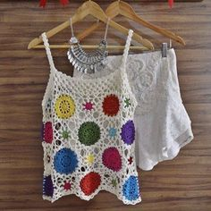 The Magic Of Crochet - Katia Missau: Rac - maallure Crochet Tank Tops, Crochet Summer Tops, Crochet Shirt, Knit Crochet, Crochet Girls, Crochet Woman, Bikinis Crochet, Finger Crochet, Boho Girl