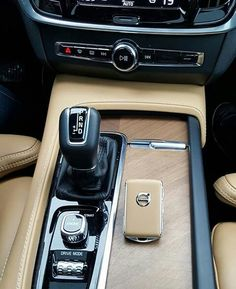 When your key matches your interior 😎 📷: All Sports Cars, Volvo Xc60, Volvo Cars, Fancy Cars, Automotive Design, Car Detailing, My Ride, Luxury Cars, Dream Cars