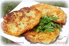 Burgonyás-cukkinis tócsni   TopReceptek.hu Czech Recipes, My Recipes, Cooking Recipes, Ethnic Recipes, Zucchini Puffer, Hungarian Recipes, Food 52, Salmon Burgers, A Table