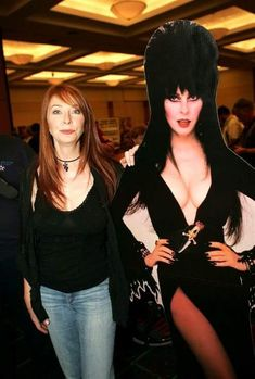 Elvira Mistress of the Dark (Cassandra Peterson) Cassandra Peterson, Beautiful Celebrities, Beautiful People, Female Celebrities, Beautiful Ladies, Geeks, Elvira Movies, Vintage Horror, Thing 1