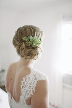 Pretty Bridal Hairstyles Featuring Succulents and Air Plants | Brides.com