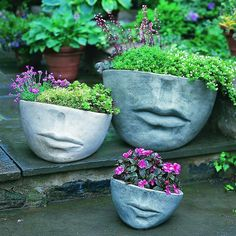 New Photographs contemporary Garden Planters Style Pots, tubs, and half barrels filled with flowers add appeal for any garden, but container gardening Concrete Garden, Concrete Planters, Garden Planters, Stone Planters, Patio Stone, Diy Planters, Concrete Art, Mosaic Planters, Succulent Planters