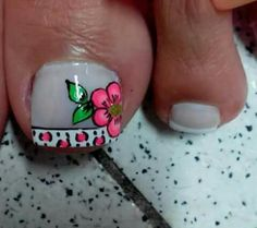 Not crazy about the big flower. but the French part is so adorable! French Manicure Designs, Pedicure Designs, Acrylic Nail Art, Toe Nail Art, Mani Pedi, Manicure And Pedicure, Pretty Pedicures, Summer Toe Nails, Colorful Nail Designs