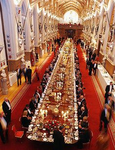 We'd love to be a guest at this extraordinary table for any meal! St. George's Hall, Windsor Castle, UK