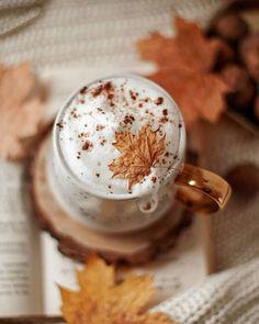on a scale of black to basically milk, how do you take your coffee? Autumn Coffee, Autumn Cozy, Autumn Fall, Autumn Tea, Coffee Love, Coffee Break, Herbst Bucket List, Chocolate Caliente, Autumn Aesthetic