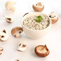 Kasvishovin metsäsienisalaatti on valmistettu aidoista metsäsienistä. Joko olet maistanut? #sienet #lähiruoka #kasvikset #kasvishovi #foodfromnature #instafood