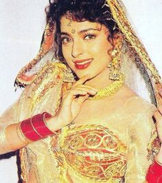 Bollywood Stars, Bollywood Fashion, Juhi Chawla, Most Beautiful Bollywood Actress, Indian Movies, Indian Beauty, Indian Actresses, Dancing, Legends