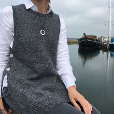 Diy Crafts - Ravelry: Linnea Tunic pattern by Stella Ackroyd Knitting Blogs, Knitting Patterns, Knitting Ideas, Long Sweaters For Women, Knit Vest Pattern, Knitted Coat, Crochet Poncho, Diy Fashion, How To Wear