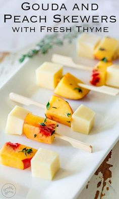 These Gouda and Peach skewers are a take on the party classic cheese & pineapple. Sweet fruit, savory cheese, all in small cubes that make it so easy to eat. These fruit skewers are perfect for a party! And the fresh thyme gives these gouda and peach Skewer Appetizers, Yummy Appetizers, Appetizers For Party, Appetizer Recipes, Peach Appetizer, Individual Appetizers, Appetizer Ideas, Gouda, Fruit Skewers