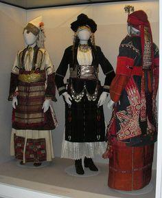 Macedonia's Folk Costumes in Benaki Museum, Athens. Greek Traditional Dress, Traditional Fashion, Traditional Outfits, Greece Art, Athens Greece, Dance Costumes, Greek Costumes, Greek Dress, Benaki Museum