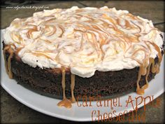 Caramel Apple Cheesecake (Gluten Free!!) - Not Just A Chick This sounds yummy :)