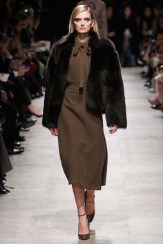 Rochas Fall 2015 Ready-to-Wear Fashion Show - Lily Donaldson