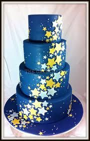 BEAUTIFUL star wedding cake! I would LOVE to have a cake like this at my wedding! #DBBridalStyle