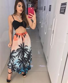 Classy outfit idea to copy ♥ For more inspiration join our group Amazing Things ♥ You might also like these related products: - Skirts ->. Stylish Outfits, Fashion Outfits, Tropical Outfit, Look Chic, Casual Looks, Beautiful Outfits, Spring Outfits, Beachwear, Ideias Fashion