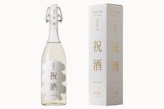 日本酒蔵元  加茂錦  kamonishiki Beverage Packaging, Bottle Packaging, Wine Label Art, Japanese Sake, Japan Design, Bottle Design, Glass Bottles, Packaging Design, Alcohol