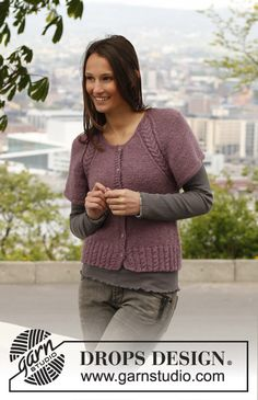"Free pattern: Knitted DROPS jacket with short, wide sleeves, raglan and cable rib in ""Alpaca"" and ""Kid-Silk"". Size: S - XXXL."