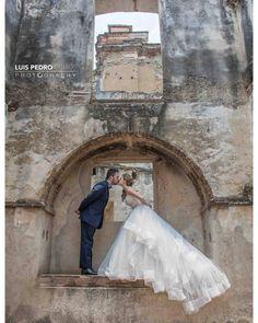 Forever in love #luispedrogramajophotography #wedinguatemala #wedding #weddingday #destinace #destinasyon #destination #destinationwedding #bridebook #destinazione #weddingphoto #weddingideas #weddings #weddingphotography #weddingphotographer #weddingdress #love #forever #wed #picoftheday #photooftheday #weddingideas_brides #weddingawards #weddinginspiration #HuffPostIDo #bruiloft #marriage #everydayguatemala #perhapsyouneedalittleguatemala