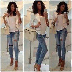 Jeans rotos con elegancia