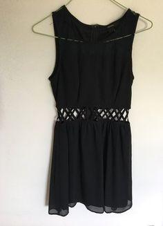 À vendre sur #vintedfrance ! http://www.vinted.fr/mode-femmes/petites-robes-noires/33191338-robe-courte-noire-forever21
