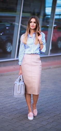 Elegant-Skirt-Outfits-For-Working-Women casual work outfits ideas skirt o. Skirt Outfits Modest, Komplette Outfits, Fashion Outfits, Casual Outfits, Fashion Ideas, Office Outfits, Modest Wear, Office Skirt Outfit, Office Wear Women Work Outfits