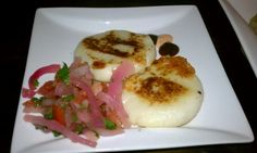 (YTT) Tasty tapas and many Ecuadorian plates to share.